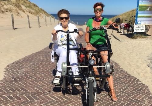 Gaste met Marjan bij strand